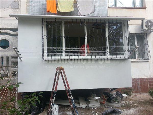 Балкон под ключ. Героев Бреста 31-а